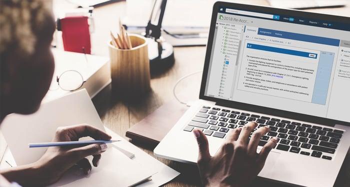 powerdms-assets-photos-051-women-using-laptop-on-screen