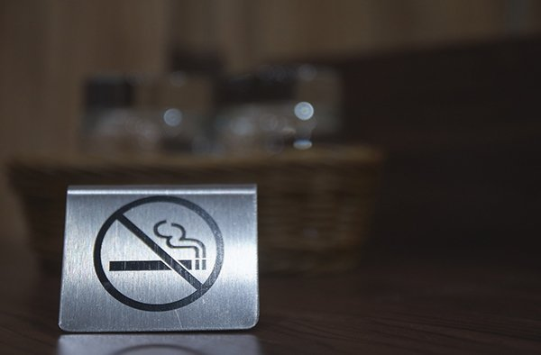 no smoking sign tobacco policy